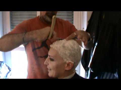 Rasatura capelli donne bologna pride