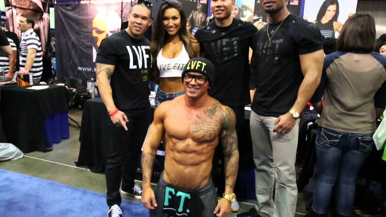 Randall With Live Fit Lvft Apparel Booth At Fitexpo 2014 Youtube