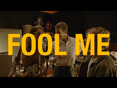 Смотреть клип Sons Of The East - Fool Me