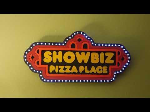 Showbiz Pizza Place sign replica version 2.0