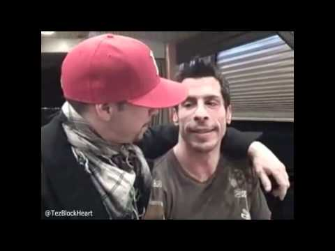 NKOTB  Danny Wood & Donnie Wahlberg say goodbye to the baby daddy bus 121208