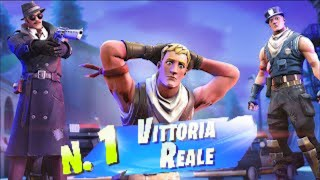 Fortnite: gift a win in gold massiccio to a gruppo di no skin *barret*