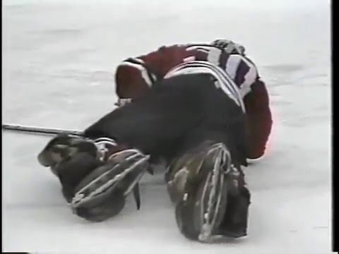 Murray Bannerman Hit by Keith Acton - April 25,1985