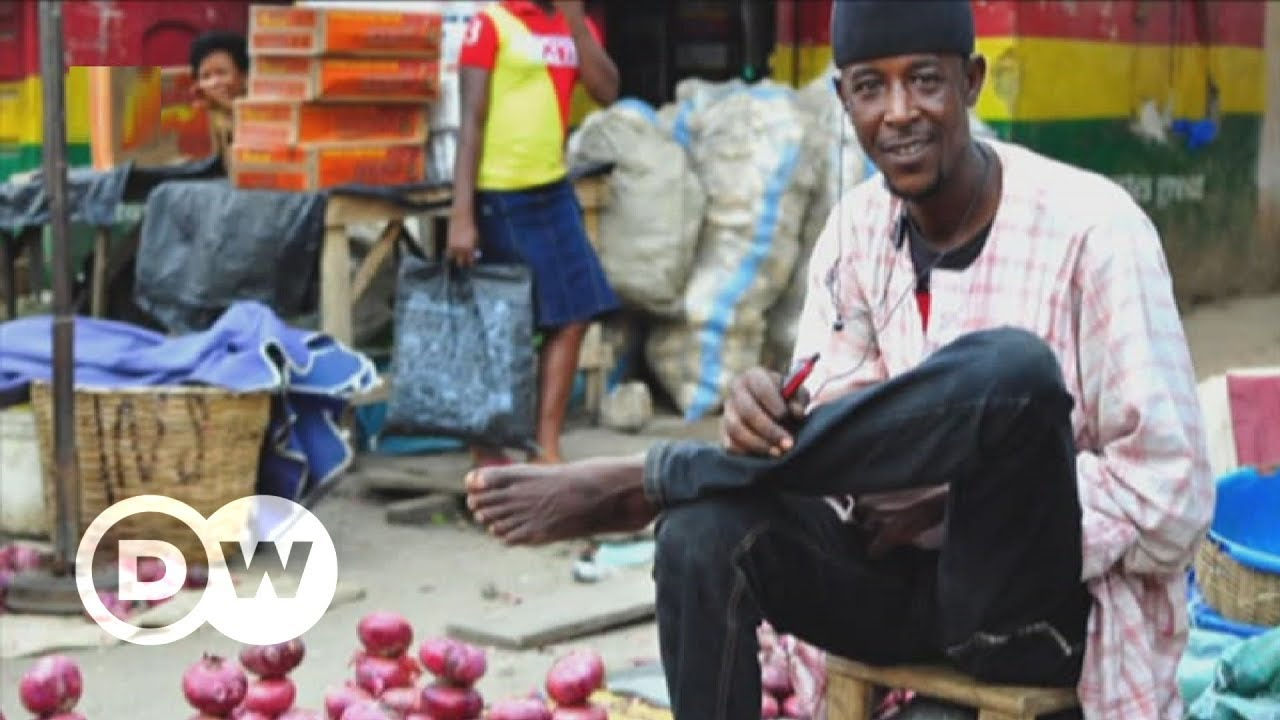How Nigeria's rural radio helps farmers with climate change | DW English