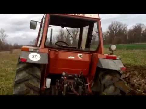 Tractor Fiat Agri 60-90 plowing without driver