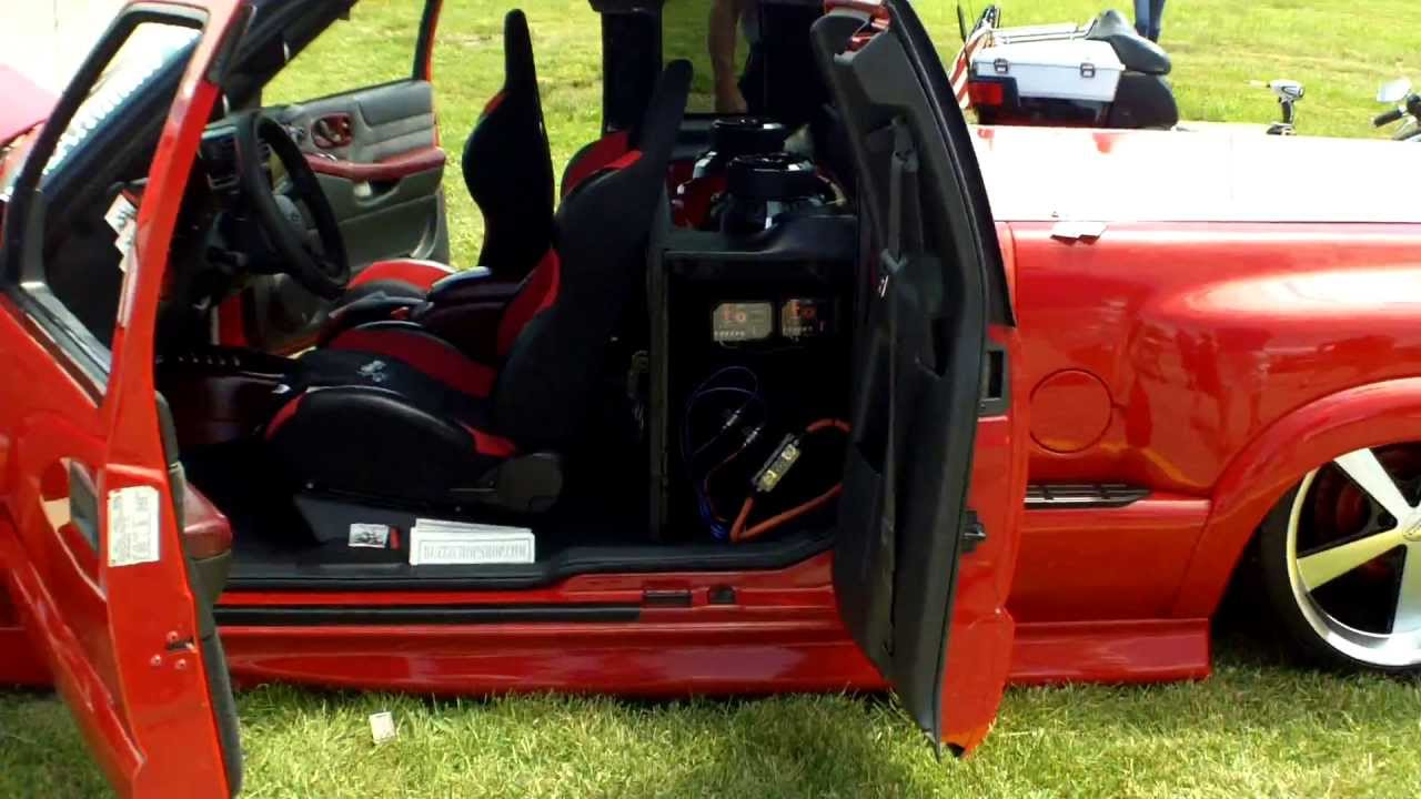 Chevy Trucks Com >> Chevy S10 Dropped Mini Truck - Slamology 2013 - YouTube