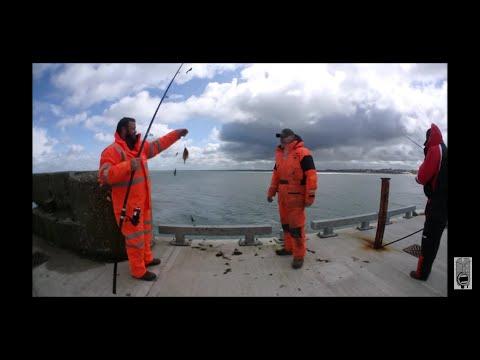 Shore Fishing In Bridlington - Flattie Bashing & Lads Banter
