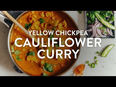Yellow Chickpea Cauliflower Curry | Minimalist Baker Recipes