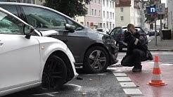 Zwei Autos stoßen auf Hannoversche Straße zusammen