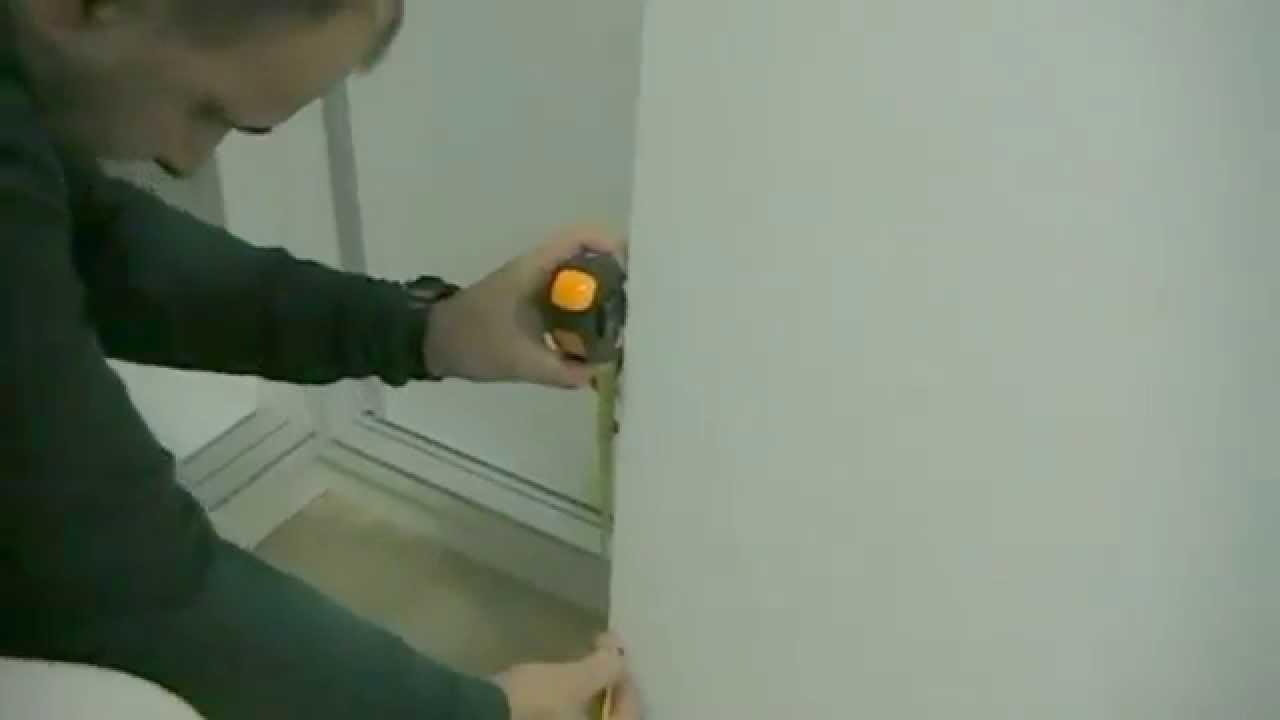 Poner un freno a una puerta de armario corredera youtube for Poner puerta corredera