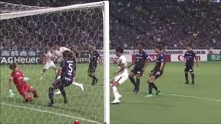 FKのチャンスからゴール前に折り返されたボールを町田 浩樹(鹿島)が体...
