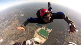 Learning how to free fall - Skydiving!