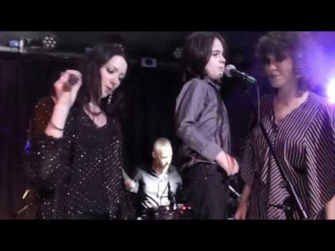 """UNDER PRESSURE"" PERFORMED BY MIKE GARSON, GABY MORENO, KEVIN ARMSTRONG & BAND"