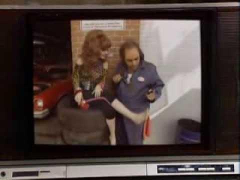 John Schneider 'Bo Duke' 'Dukes of Hazzard' at Armageddon Pulp Expo from YouTube · Duration:  6 minutes 19 seconds