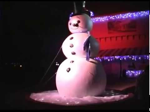 Busch Gardens of Williamsburg's Christmas Town - YouTube