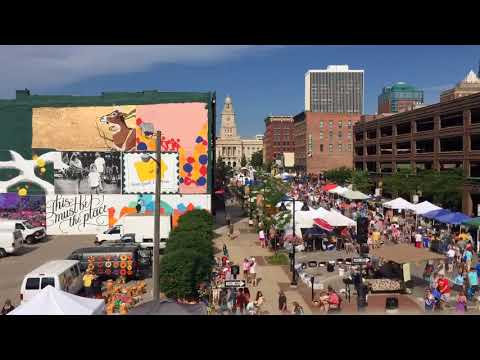 Downtown Farmers' Market in Des Moines