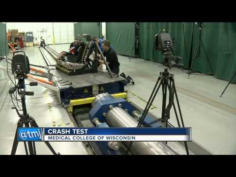 Medical College of Wisconsin crash lab tests child car seat safety
