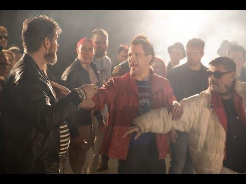 GUNNAR NELSON dancing to BEAT IT with Mjölnir staff