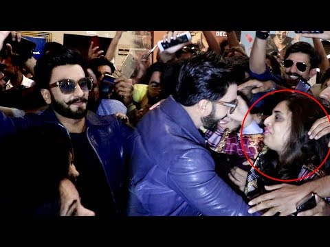 Ranveer Singh HUGS And Kisses Fans | DHAMAKEDAR Entry At Simmba Trailer Launch