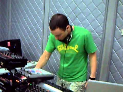 Mix Fm   Dj Gregor Salto Live @ Mix Fm 96 5   Luanda, Angola    04 12 2010   Parte 1