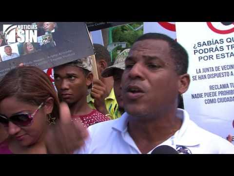 Residentes de Santo Domingo Oeste marchan contra cierre de calles