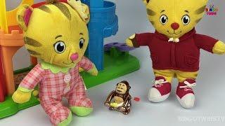 Daniel Tiger neighborhood Fun-play   Doctor Visit & Potty Training   Kids Learning Videos !