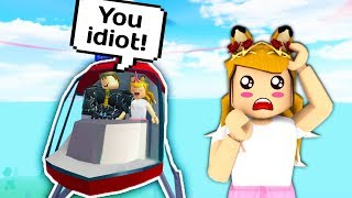 WEIRD GUY BULLIES ME IN MY HELICOPTER // Robloxian High School // Roblox Helicopter - Mise à jour yacht