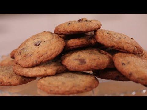 How I Met Your Mother's Sumbitch Cookies Recipe | Chocolate, Peanut Butter, Caramel | Eat the Trend