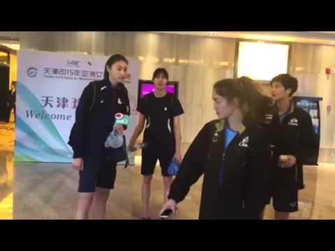 วอลเลย์บอลหญิงชิงแชมป์เอเชีย คิมคุยกับนักกีฬาไทย
