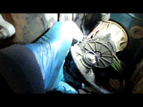 Ford Concentric (in the bell housing) slave cylinder bleed process how to