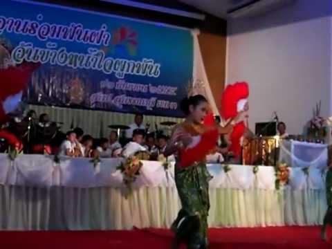 ดนตรีไทย เด็กประถม รำ4ภาค (2)