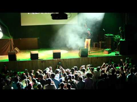 Norykko - Press 2 play (directo Santiago de Chile) - La Senda Latinoamérica Tour 2011