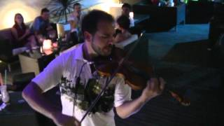 COCOS BEACH BAR MIKE BOW VS DJ VAN VIOLIN LIVE