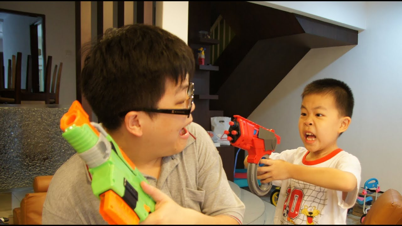 nerf vs boomco it s nerf or nothing slingfire or whipblast