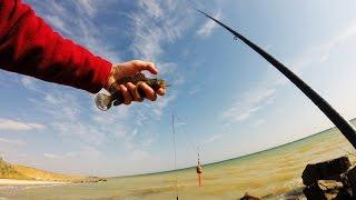 Ловля азовского бычка осенью.Рыбалка.Fishing(В этом видео идет речь про ловлю Азовского бычка осенью. Паблик ВК :http://vk.com/manfishing Мой Твиттер:https://twitter.com/man__fi..., 2014-10-12T17:53:51.000Z)