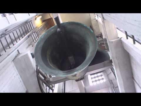 PFÄFFIKON (CH - SZ): Kath. Kirche St. Meinrad: Vollgeläute (Bessere Tonqualität)