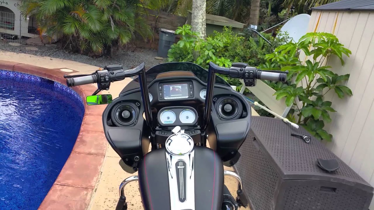 Harley Road Glide Upgraded Stereo With Rockford