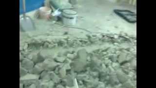 видео Демонтаж бетонного пола