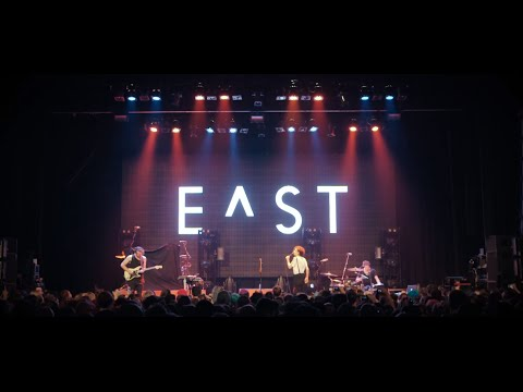 E^ST - Sweater Weather (Cover of The Neighbourhood – Live at The Forum)