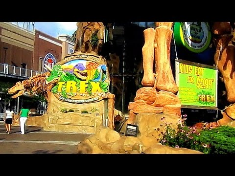 OMAHA, Nebraska To Kansas City, KANSAS -- Legends 14 & T-REX Cafe (Midwest RoadTrip #6)