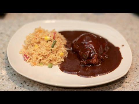 COMO HACER MOLE CON POLLO FACIL | CocinandoConJuanita