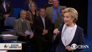 Hillary Clinton And Donald Trump Sing baby Its Cold Outside