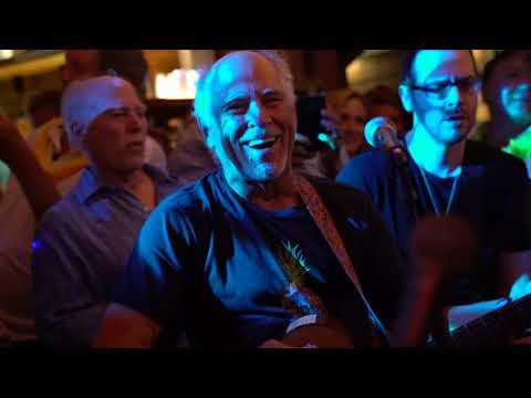 Jimmy Buffett at BAZ Bar in St  Barth Plays Margaritaville During the 2019  Bucket Regatta