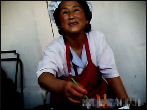 [North Korea Video Report] Residents of central Pyongyang live on businesses in the market.