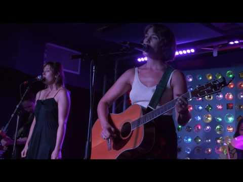 Lola Kirke   No You Can't Go Home 4K live @ Baby's All Right 7917