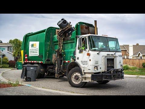 """Volvo WX64 - McNeilus """"2nd Gen"""" AutoReach Garbage Truck"""