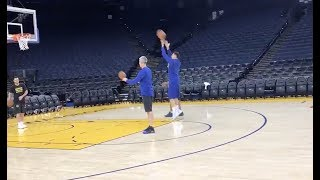 Injured Klay Thompson trying to shoot left handed