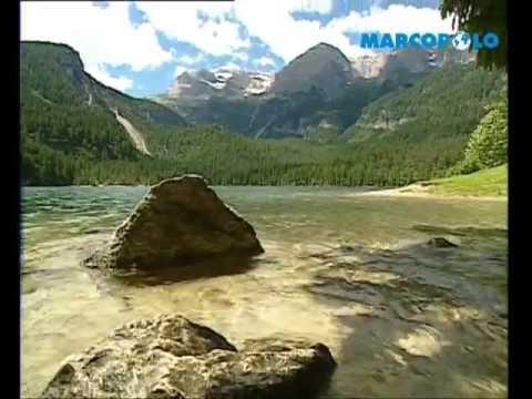 La Val di Non con i suoi laghi e i suoi canyon