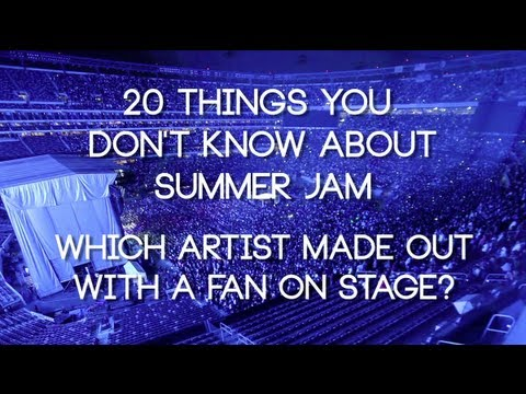 Which artist made out with a fan on stage at Summer Jam?