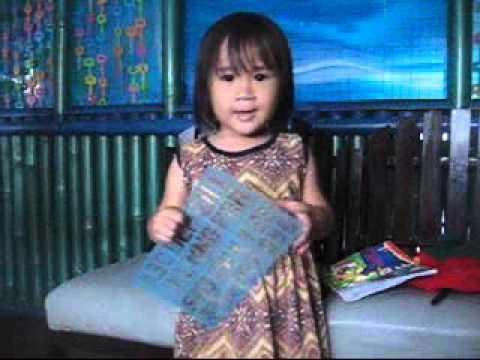 Anak kecil umur 2 tahun belajar Bahasa Inggris